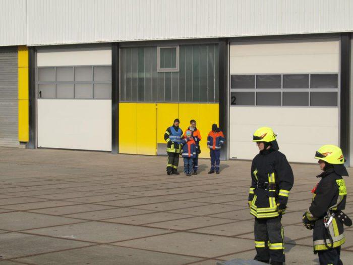 Übung Personenrettung im Gebäude Verletztendarsteller